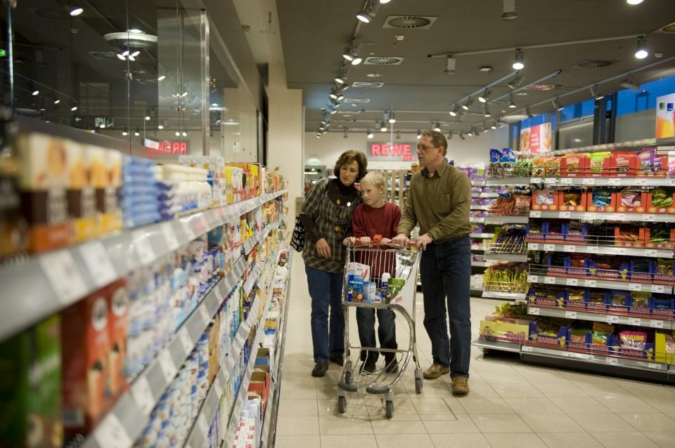 Немецкие супермаркеты-гиганты требуют возвращения к продукции птицеводства, выращенной на кормах без ГМО